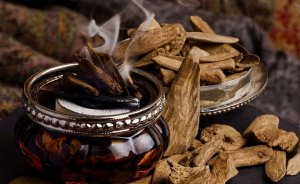 Brief History of Oud Essential Oil