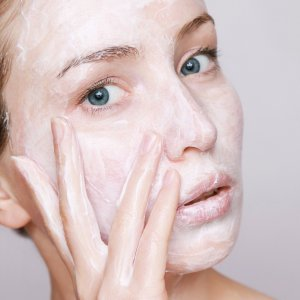 Power of Moisturizing And Facial Creams