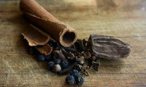 musk oud woody fragrances